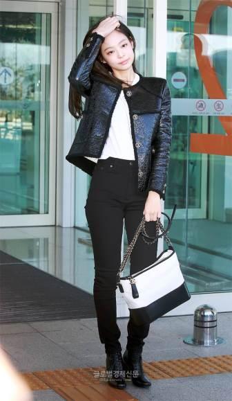 14-BLACKPINK Jennie Airport Photos Incheon to France Paris Fashion Week