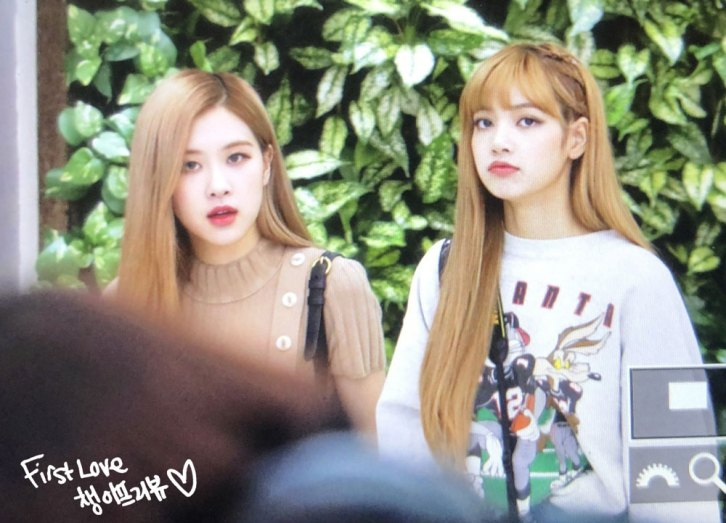 14-BLACKPINK-Rose-Airport-Photo-Gimpo-19-September-2018