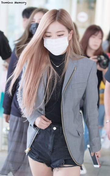 14-BLACKPINK-Rose-Airport-Photo-Incheon-Seoul-From-New-York