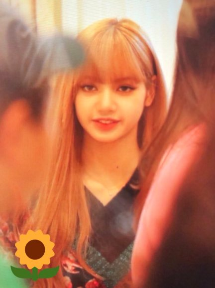 16-BLACKPINK Lisa Moonshot Yoo In Na Product Launch Event Myeongdong
