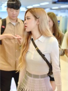 17-BLACKPINK Rose Airport Photo 17 September 2018 Gimpo to Japan