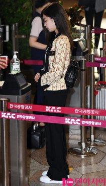 18-BLACKPINK Jennie Airport Photo 17 September 2018 Gimpo to Japan