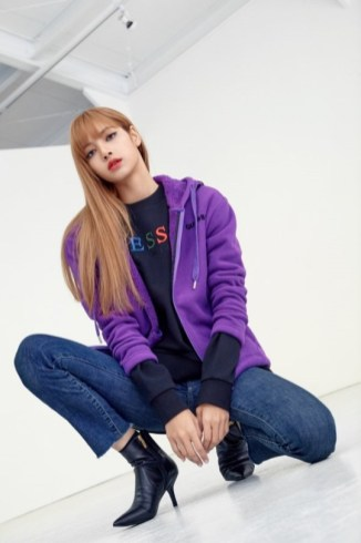 2-BLACKPINK-GUESS-Lotte-Wherever-GUESS