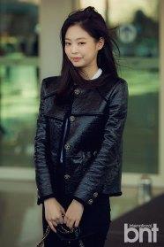 2-BLACKPINK-Jennie-Airport-Photos-Incheon-to-France-Paris-Fashion-Week