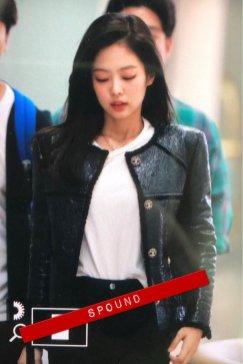 2-BLACKPINK Jennie Airport Photos Incheon to Paris Fashion Week