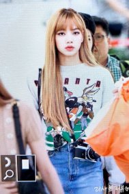 2-BLACKPINK-Lisa-Airport-Photo-Gimpo-19-September-2018