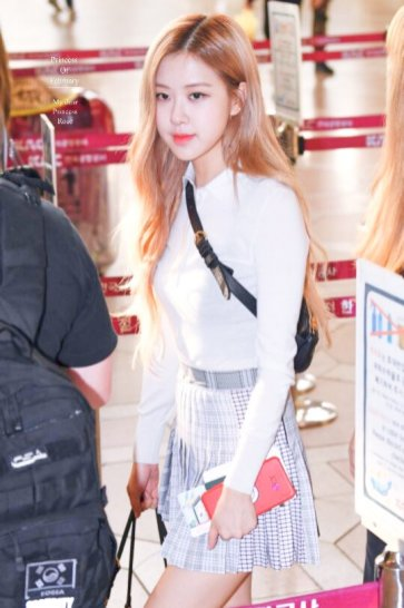 2-BLACKPINK Rose Airport Photo 17 September 2018 Gimpo to Japan