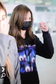 22-BLACKPINK-Jisoo-Airport-Photo-Incheon-Seoul-From-New-York