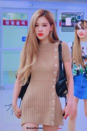 24-BLACKPINK-Rose-Airport-Photo-Gimpo-19-September-2018