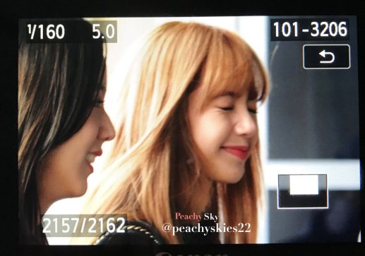 26-BLACKPINK-Lisa-JFK-Airport-Photo-New-York-City