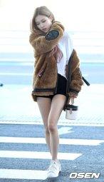 26-BLACKPINK Rose Airport Photo Incheon New York Fashion Week