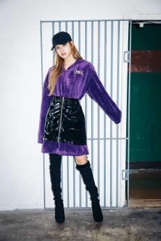 27-BLACKPINK Lisa X-girl Japan Nonagon Collaboration