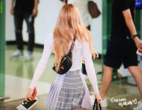 27-BLACKPINK Rose Airport Photo 17 September 2018 Gimpo to Japan