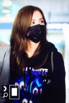 30-BLACKPINK-Jisoo-Airport-Photo-Incheon-Seoul-From-New-York