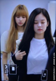 32-BLACKPINK Jennie Airport Photo 17 September 2018 Gimpo to Japan
