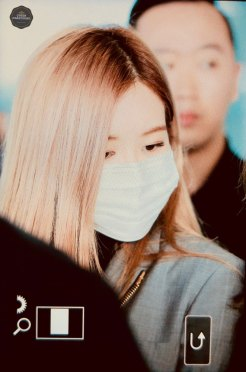 32-BLACKPINK-Rose-Airport-Photo-Incheon-Seoul-From-New-York