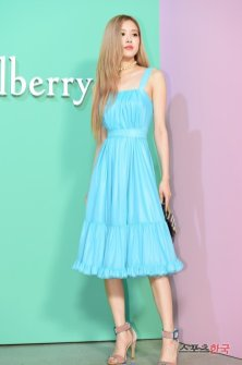 32-BLACKPINK-Rose-Mulberry-Event-Seoul-6-September-2018