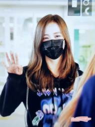 36-BLACKPINK-Jisoo-Airport-Photo-Incheon-Seoul-From-New-York