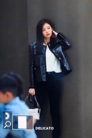 37-BLACKPINK Jennie Airport Photos Incheon to Paris Fashion Week
