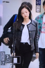 44-BLACKPINK Jennie Airport Photos Incheon to Paris Fashion Week