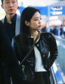 49-BLACKPINK Jennie Airport Photos Incheon to Paris Fashion Week