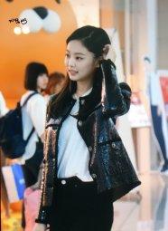 51-BLACKPINK Jennie Airport Photos Incheon to Paris Fashion Week