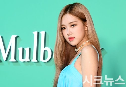 54-BLACKPINK-Rose-Mulberry-Event-Seoul-6-September-2018