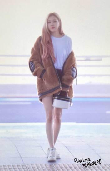 55-BLACKPINK-Rose-Airport-Photo-Incheon-New-York-Fashion-Week