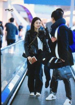 57-BLACKPINK Jennie Airport Photos Incheon to Paris Fashion Week