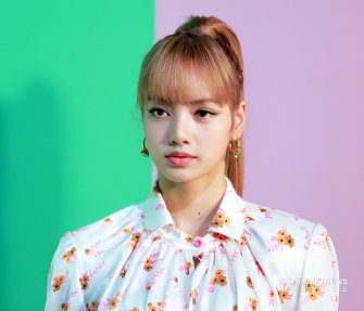 57 BLACKPINK Lisa Mulberry Seoul Event 6 September 2018