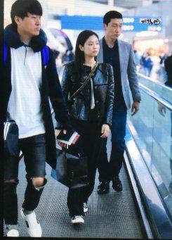 58-BLACKPINK Jennie Airport Photos Incheon to Paris Fashion Week