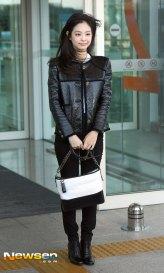 60-BLACKPINK-Jennie-Airport-Photos-Incheon-to-France-Paris-Fashion-Week