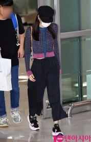 7-BLACKPINK-Jennie-Airport-Photo-Gimpo-19-September-2018-hat