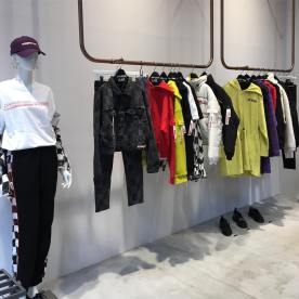 7-BLACKPINK Lisa X-girl Japan Nonagon Collaboration