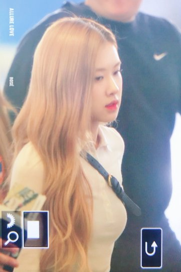 7-BLACKPINK Rose Airport Photo 17 September 2018 Gimpo to Japan