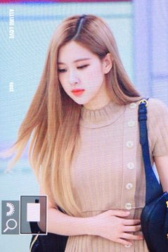 7-BLACKPINK-Rose-Airport-Photo-Gimpo-19-September-2018