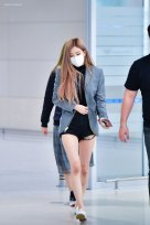 7-BLACKPINK-Rose-Airport-Photo-Incheon-Seoul-From-New-York