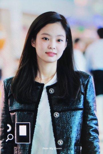 72-BLACKPINK Jennie Airport Photos Incheon to Paris Fashion Week