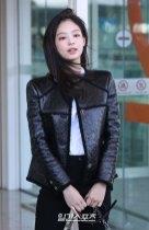 77-BLACKPINK-Jennie-Airport-Photos-Incheon-to-France-Paris-Fashion-Week