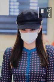 8-BLACKPINK-Jennie-Airport-Photo-Gimpo-19-September-2018-hat
