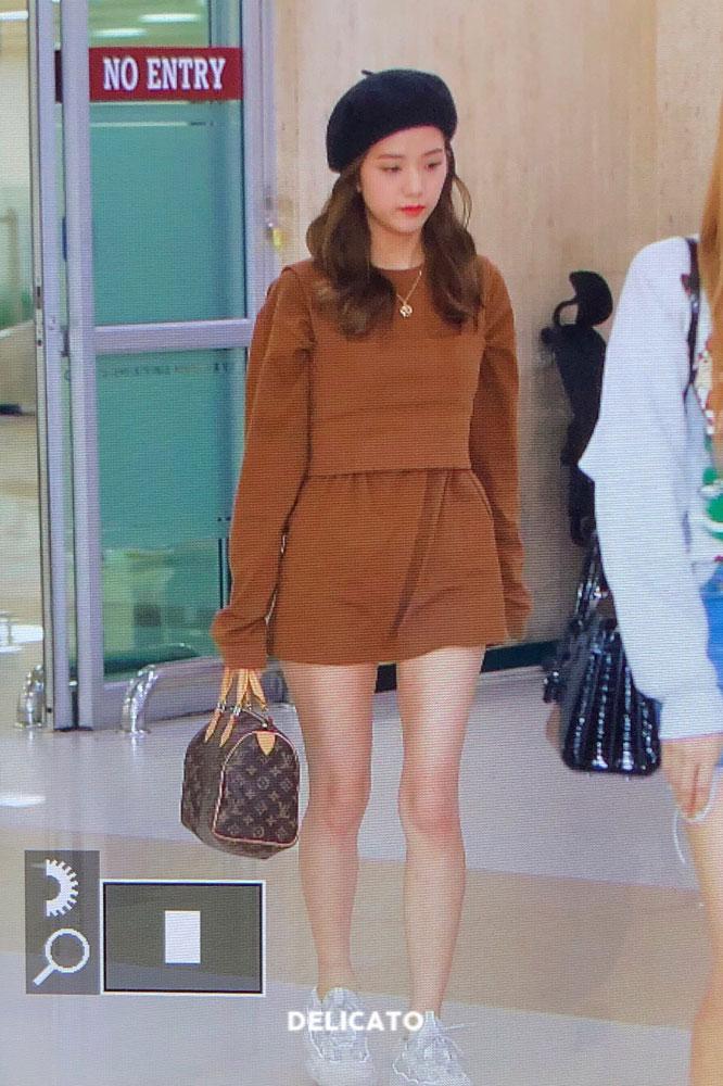 8-BLACKPINK-Jisoo-Airport-Photo-Gimpo-19-September-2018-hat