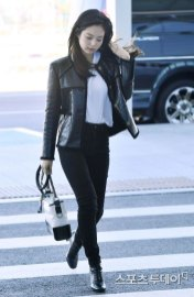 84-BLACKPINK-Jennie-Airport-Photos-Incheon-to-France-Paris-Fashion-Week