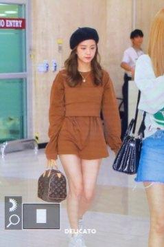 9-BLACKPINK-Jisoo-Airport-Photo-Gimpo-19-September-2018-hat