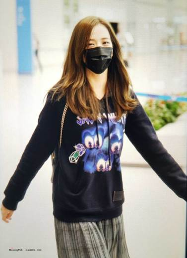 9-BLACKPINK-Jisoo-Airport-Photo-Incheon-Seoul-From-New-York