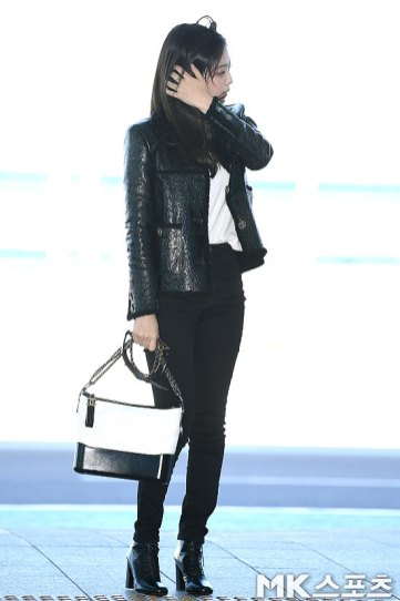 99-BLACKPINK-Jennie-Airport-Photos-Incheon-to-France-Paris-Fashion-Week