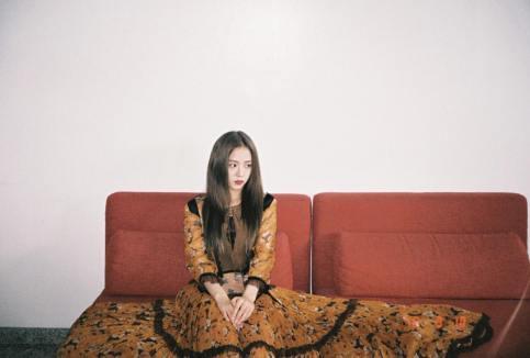 1-Behind The Scene BLACKPINK Jisoo Rose Vogue Korea November Issue
