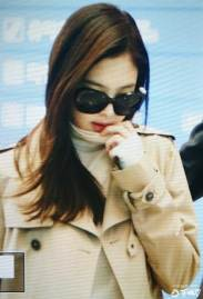 10-BLACKPINK-Jennie-Airport-Photo-4-October-2018-from-Paris