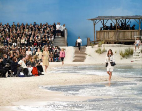 11-Chanel-Paris-Fashion-Week-October-2018-Sea
