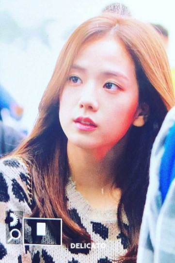 12-BLACKPINK-Jisoo-Airport-Photos-Incheon-5-October-2018