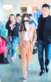 13-BLACKPINK-Jennie-Airport-Photo-4-October-2018-from-Paris